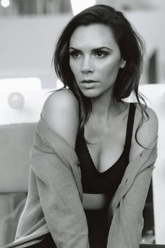 Victoria Beckham -  Alasdair McLellan - February 2011 issue