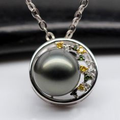 black Tahitian pearl pendant, with small diamonds in white gold Pearl Pendant, Pendant Necklace, Tahitian Black Pearls, Pearl Jewelry, White Gold, Jewelries, Diamonds, Beautiful, Sweet