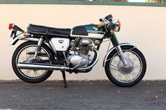 Habermann & Sons Classic Motorcycles and Honda Motorcycles, Cars And Motorcycles, Motorbike Design, Cb350, Japanese Motorcycle, Moto Bike, Honda Cb, Classic Bikes, Vintage Bikes