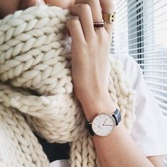 Up close and personal in the Whistler Scarf. (Ph. by @what_the_faux) #woolandthegang #shareyourknits