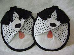 Mitaines de Mutt manique chien tacheté noir et par VernieLeeDesigns...... Agarraderas con diseños  divertidos