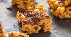 Peanut Butter Cheerio Bars, Homemade Peanut Butter Cups, Low Carb Peanut Butter, Kinds Of Desserts, Homemade Desserts, Delicious Desserts, Dessert Recipes, Vegan Desserts, Fresh Strawberry Recipes