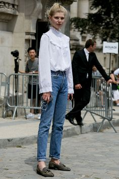 Victorian blouse. #OlaRudnicka #offduty in Paris.