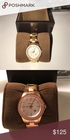 Authentic Michaels Kors watch Great condition! Made for a smaller wrist. My wrists are about 6 & 1/2' around and the watch fits perfectly Michael Kors Accessories Watches