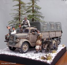 Maultier on the move Military Action Figures, Custom Action Figures, Tin Can Lanterns, Girls Dollhouse, Model Cars Kits, Military Modelling, Military Diorama, Funny Tattoos, Panzer