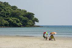 Praia de Boraceia, em Bertioga, SP. Conheça >>> http://www.guiaviagensbrasil.com/sp/bertioga/