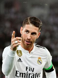 football is my aesthetic Real Madrid Captain, Real Madrid Kit, Ramos Real Madrid, Real Madrid Players, Real Madrid Football, Mens Hairstyles Fade, Haircuts For Men, Ramos Haircut, Real Madrid Wallpapers