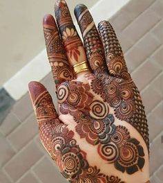 Image may contain: 1 person Mehndi Designs Finger, Rose Mehndi Designs, Henna Hand Designs, Indian Mehndi Designs, Latest Bridal Mehndi Designs, Wedding Mehndi Designs, Latest Mehndi Designs, Mehndi Designs For Hands, Rangoli Designs