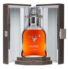 The Dalmore 35 years.   The Dalmore has got a new and rare whisky from its Highland distillery, a 35 year old expression that's been aged in three different types of casks: a distillery run bourbon barrel, a Matusalem Sherry Butt and a Port Colheita Pipe.   A special expression deserves a special bottle. The company commissioned a crystal decanter from none other than French crystal house, Baccarat.  @comcerveja