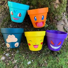 Painted Plant Pots, Painted Flower Pots, Upcycled Crafts, Diy Crafts, Fall Crafts, Christmas Crafts, Pikachu, Flower Pot Art, St Patricks Day Crafts For Kids