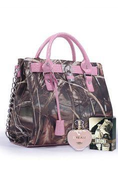 RealTree® Waterfowl Camo Lock Pink Handbag & Perfume Package