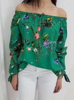 Bluzka CERSEI zielona. Wygodna bluzeczka z wiązanymi rękawami. Off Shoulder Blouse, Floral, Outfits, Clothes, Collection, Women, Style, Fashion, Swag