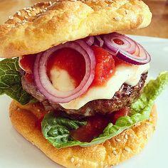 Low Carb Burgerbrötchen 'Oopsies' (Rezept mit Bild) | Chefkoch.de -> statt Frischkäse kann man auch 100g Quark nehmen ;)