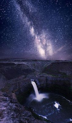 Top 27 Places In The U.S. That Foreigners Are Craziest About Visiting. #17. Palouse Falls, Washington