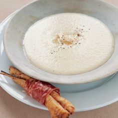 Parsnip and gorgonzola soup - tastemag za Oven Cooking, Cooking Time, Cheese Straws, Gorgonzola Cheese, Healthy Living Recipes, Cooking Instructions, Oven Roast, Food Plating, Recipe Collection