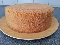 soha-tobbe-nem-valasztom-szet-a-tojasokat-hiszen-igy-is-mindig-szep-magas-es-konnyu-lesz Sweet Desserts, Delicious Desserts, Cake Cookies, Vanilla Cake, Cake Recipes, Cheesecake, Muffin, Food And Drink, Birthday Cake