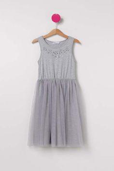 Tül etekli gri elbise
