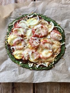 Koolhydraatarme spinazie pizza – Judoka Margriet Bergstra Food Blogs, Mozzarella, Vegetable Pizza, Quiche, Diet, Vegetables, Breakfast, Tomatoes, Morning Coffee