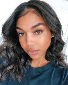 Short hair trend is going to take over 2020 like fire! So get the look without chopping off your actural hair using Lace Front Wigs! They are best for comfort and are easy to use! Weave Hairstyles, Straight Hairstyles, Girl Hairstyles, Black Girl Bob Hairstyles, Wedding Hairstyles, Updo Hairstyle, Natural Hairstyles, Scene Hair, Lori Harvey