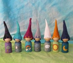 Weather Gnomes by WildFaerieCaps on Etsy Waldorf Crafts, Waldorf Toys, Wooden Pegs, Wooden Dolls, Art Furniture, Felt Crafts, Diy Crafts, Crafts For Kids, Arts And Crafts