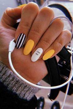 Office nails Miladies net is part of Grey Yellow nails Tips - Office nails Miladies net Summer Acrylic Nails, Best Acrylic Nails, Summer Nails, Acrylic Nails With Design, Nail Ideas For Summer, Acrylic Nail Designs For Summer, Acrylic Nails Yellow, Yellow Nails Design, Acrylic Nail Art