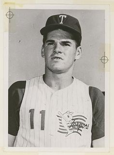 In 1961 Pete Rose led the first place Tampa Tarpons with a batting average and 30 triples – still an FSL record! Baseball Records, Best Baseball Player, Baseball Uniforms, Baseball Boys, Better Baseball, Baseball Stuff, Football, Sparky Anderson, Baseball Batter