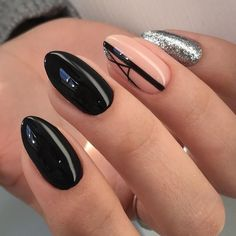 Looking for easy nail art ideas for short nails? Look no further here are are quick and easy nail art ideas for short nails. Black Manicure, Black Coffin Nails, Matte Black Nails, Black Nail Art, Beige Nail, Black Nail Designs, Nail Designs Spring, Nail Art Designs, Nails Design