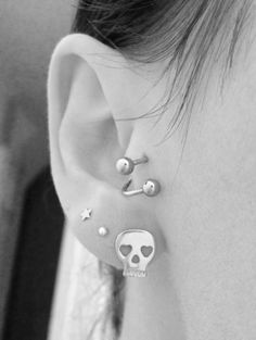 I wanna get an earring like that for my tragus'