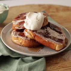 Indulge in your sweet tooth first think in the morning with this tiramisu french toast - we guarantee it'll make your day. Ten more days and I will indulge in a scrumptiously delicious treat. but only a little, just a tad so something sugary sweet! Tostadas, Crepes, Eat Breakfast, Breakfast Recipes, Cupcakes, Pancakes And Waffles, Love Food, Sweet Tooth, French Toast
