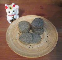 Otaku Family: Sesame Cookies