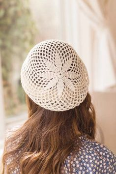 This crochet lace beret is stunning. I love the giant motif. Crochet So Lovely: Crochet Beret
