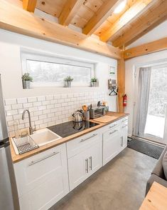 Tiny Houses For Rent, Tiny House Loft, Modern Tiny House, Tiny House Living, Tiny House Design, Small House Plans, Living Room, Tiny House Movement, Casas Containers