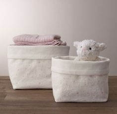 Restoration Hardware - Nursery Canvas Storage - Pink Star.