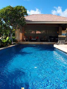 巴里島Mulia Villas 有一個寬長4×10、深1.3公尺的私人造浪大泳池。