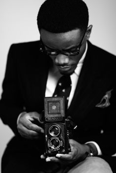 addicted to pictures of guys with cameras
