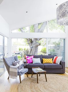 These Australian homes bring the outside in but manage to stay cool all summer long with the help of clever design features. Smart Home Design, Clever Design, Australian Homes, Outdoor Furniture Sets, Outdoor Decor, Stay Cool, Room Accessories, Danish Design, Contemporary Design