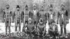 Selk'nam: Tierra del Fuego's Last Forgotten Tribe One of the last indigenous tribes to have encountered European invaders was one of the most formid… Native American History, Native American Indians, Body Painting Men, Human Zoo, Aboriginal History, Latina, Indigenous Tribes, African Tribes, Vintage Classics