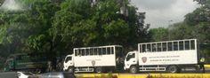 GNB y PNB, tanquetas y ballenas esperan marcha de estudiantes en Plaza Venezuela 4MAY - http://wp.me/p7GFvM-GUy