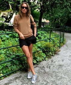 Really diggin' this no-brainer, comfy style.. late Summer, early Fall look?!