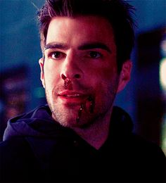 I love Sylar's bloody smile the best Zachary Quinto, Zachary Levi, Sylar Heroes, Moody Men, Captain Spock, Hero Tv Show, Nos4a2, Heroes Reborn, Photos Originales