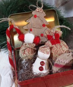 Set of 6 Burlap/Fabric ornaments by LynnsMill on Etsy, $8.00