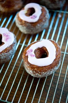 29.Cronuts Party