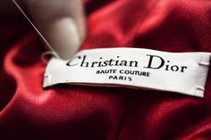 Haute Couture / The crafts / The House of Dior   / Dior official website