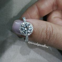 Like if you would say yes! @paradejewellers #diamonds