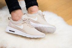 Nike - WMNS Air Max Thea Oatmeal - 599409-105