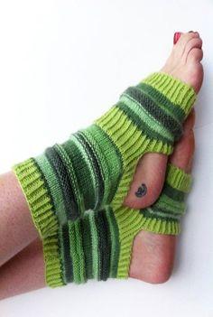 Hand-stricken Yoga Socken  grüne Pilates Socken  PiYo von LizSox #yogasocks  #yogasocks