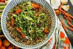 Asian-Style Beef with Asparagus Asian Style, Seaweed Salad, Japchae, Asparagus, Beef, Ethnic Recipes, Food, Studs, Meals