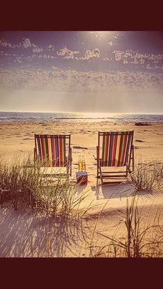 Let's seat together. ..