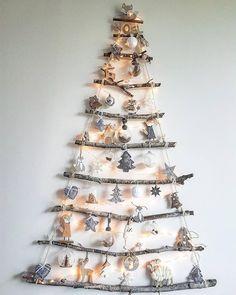 Christmas Tree Design, Ladder Christmas Tree, Rustic Christmas, Xmas Tree, White Christmas, Christmas Home, Christmas Crafts, Christmas Decorations, Christmas Ornaments