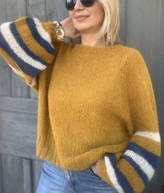 Knit Fashion, Sweater Fashion, Knitting Socks, Baby Knitting, Crochet Slippers, Knit Crochet, Aesthetic Shirts, Athleisure Outfits, How To Purl Knit